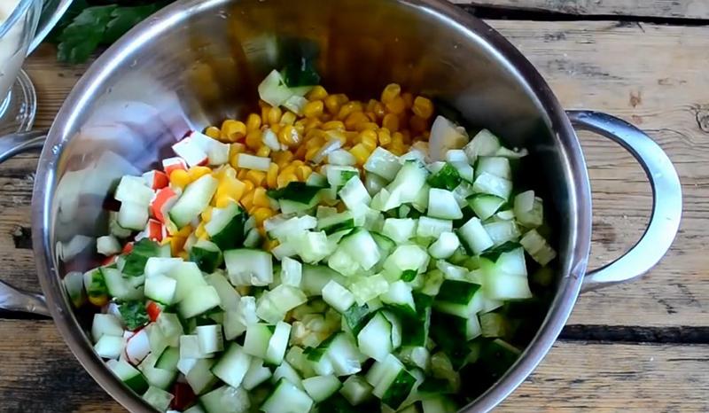 салат крабовый классический