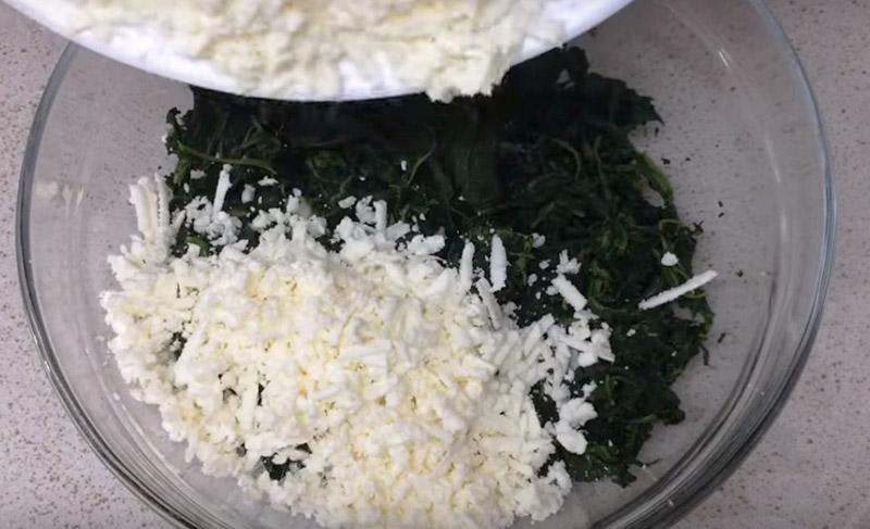 чебуреки со шпинатом