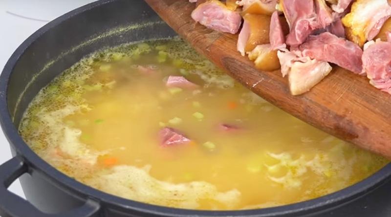 гороховый суп с копченой рулькой