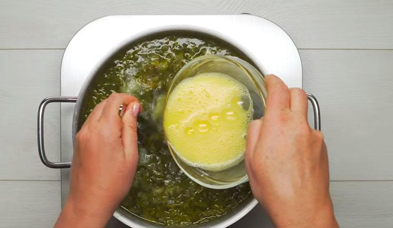 щавелевый суп классический