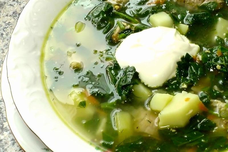 щавелевый суп с зажаркой