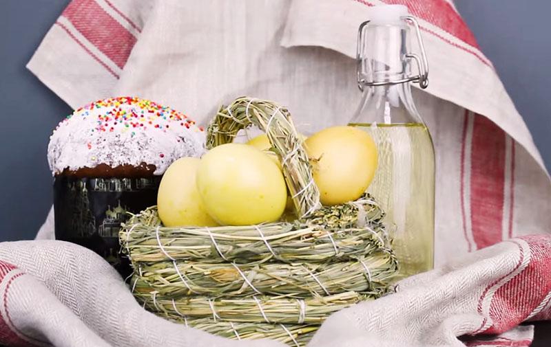 окрашивание яиц куркумой