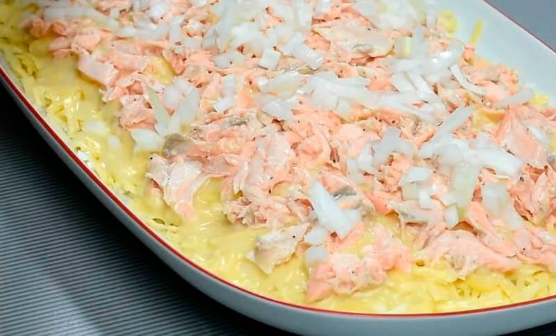 мимоза с горбушей, сыром и маслом
