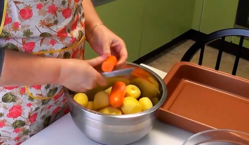 ребрышки с картошкой в рукаве